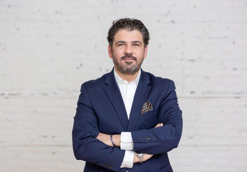 Farbod Sadeghian, Serial-Tech-Entrepreneur, Kunstmarktexperte und Gründer von artèQ
