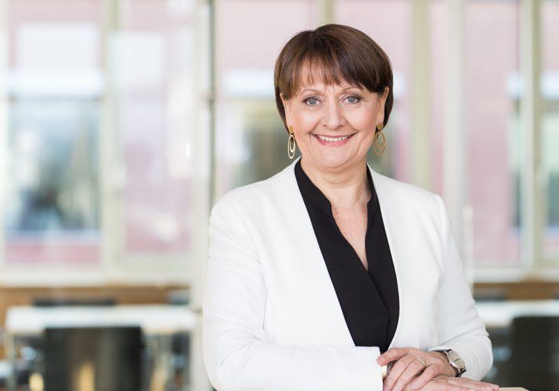 Herta Stockbauer, Vorstandsvorsitzende der BKS Bank, gilt als Pionierin in Sachen Nachhaltigkeit und empfiehlt Unternehmen sich rechtzeitig mit der EU-Taxonomie auseinanderzusetzen.