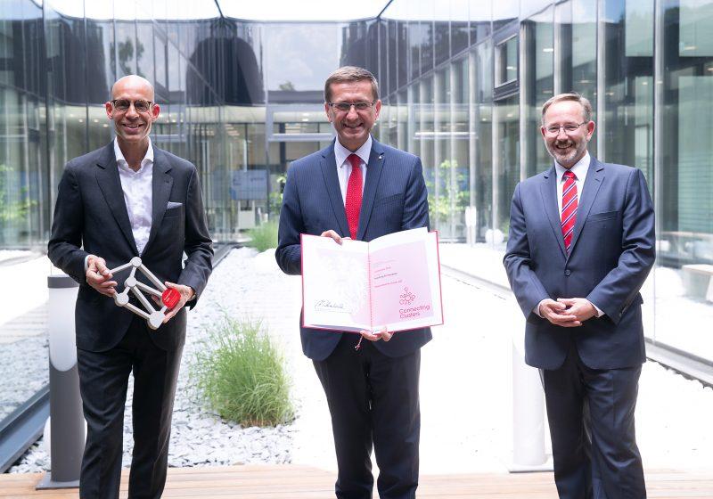 Auszeichnung für den Medizintechnik-Standort Oberösterreich Cluster-Arbeit