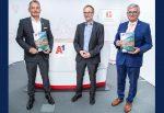 Marcus Grausam (CEO A1), Bertram Barth (Geschäftsführer Integral) und Alfred Riedl (Präsident des Österreichischen Gemeindebundes) bei der Präsentation der A1 BürgermeisterInnen Studie 2021 (v.l.n.r.)