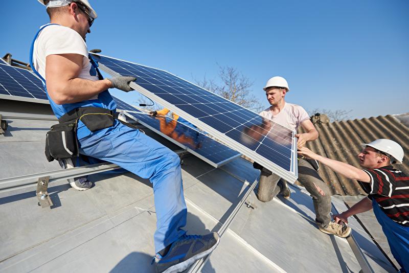 Photovoltaik-Anlagen für Industrie und Gewerbe per Contracting und ohne Anfangsinvestition Kommunalkredit eww