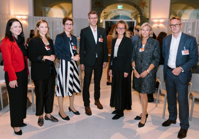 PwC Österreich: Neue Partnerschaft zur Förderung von Frauen gestartet